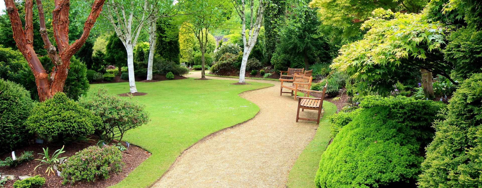 Pour vos besoins en entretien de parcs et jardins