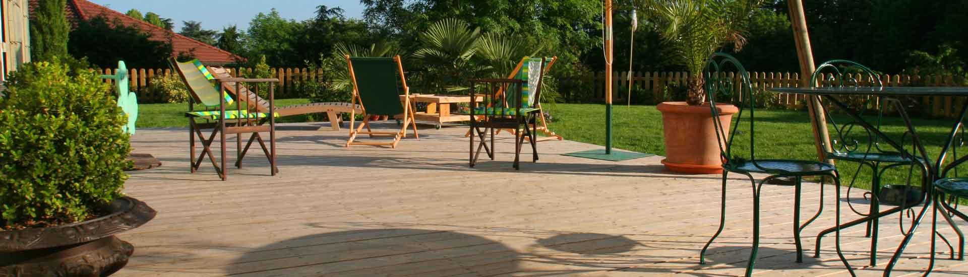Divers types de terrasse en bois par Designo Paysages